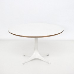 Mesita NELSON TABLE de VITRA