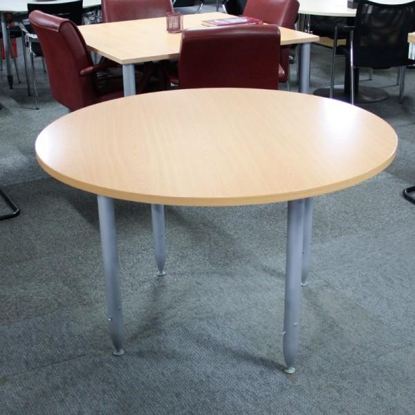Mesa de reuniones 120 cm. Haya