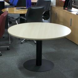 Mesa de reuniones 116 cm. Arce