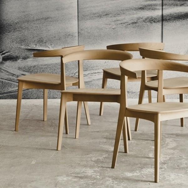 Silla de Diseño Carola de Andreu World