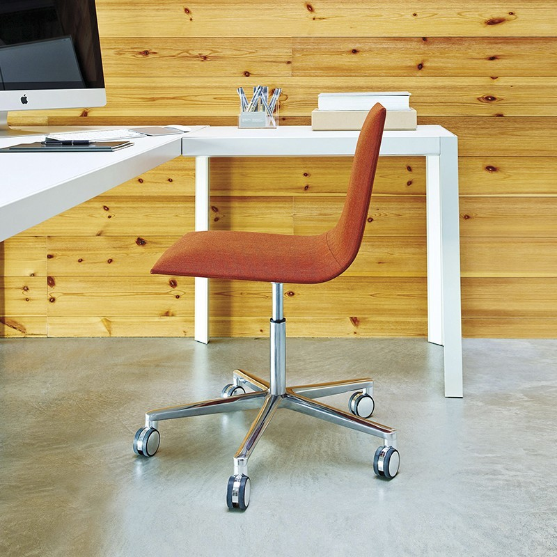 Silla de Diseño Lineal Corporate de ANDREU WORLD