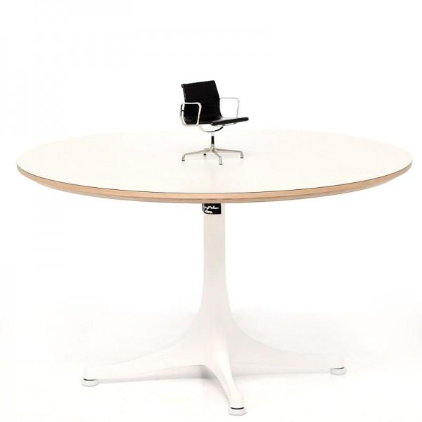 Miniatura EA 108 Aluminium Chair de VITRA