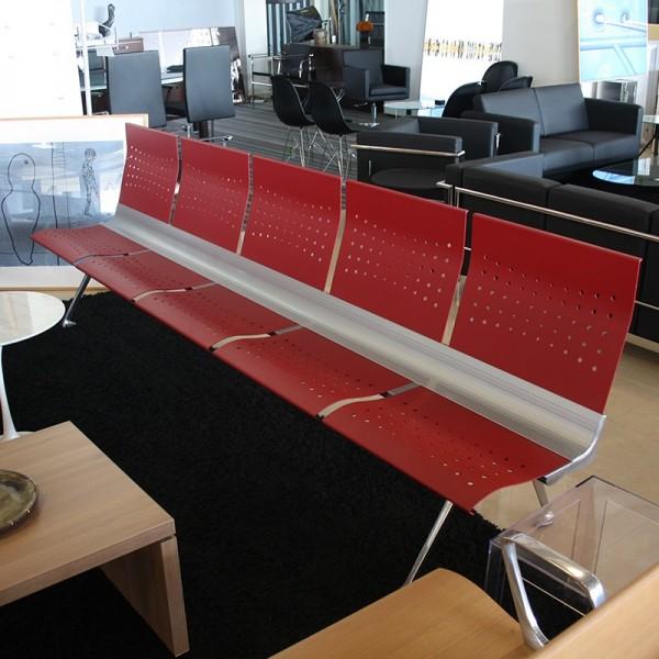 Bancada de Espera Roja con 5 Plazas Transit de Actiu
