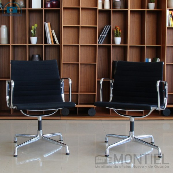 Pack de 2 Sillas Aluminium Chairs EA 107 - 117 de Vitra