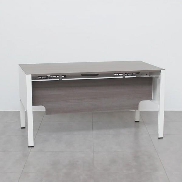 Mesa de Oficina gris Ceniza con Estructura metálica blanca de Ofifran
