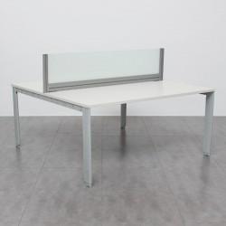 Multipuesto Blanco con estructura de aluminio y Divisoria de Cristal MM425