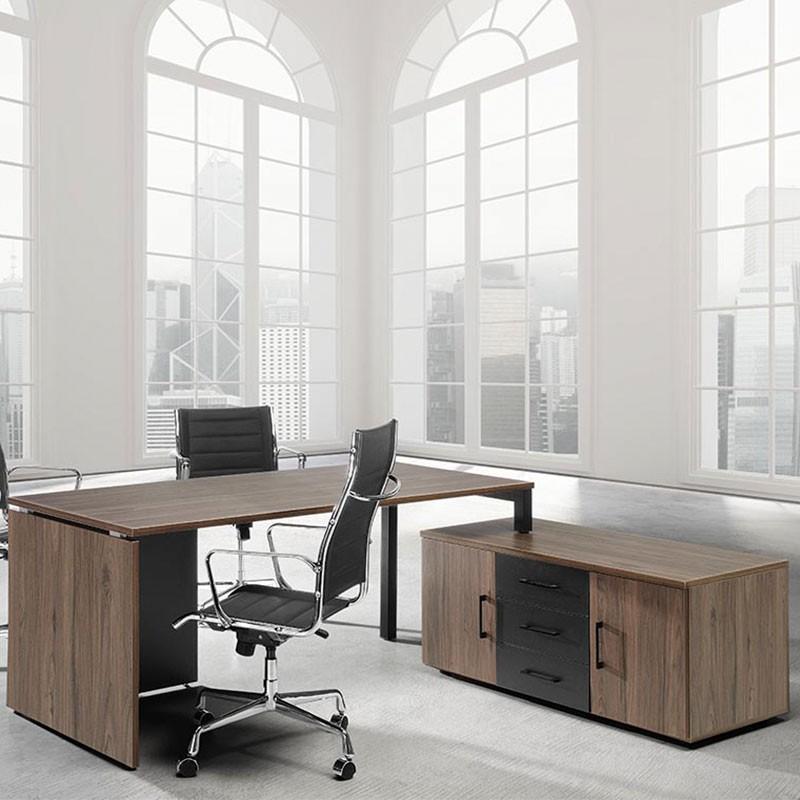 Mesa de Despacho en L con Credencia M4 de Herpesa