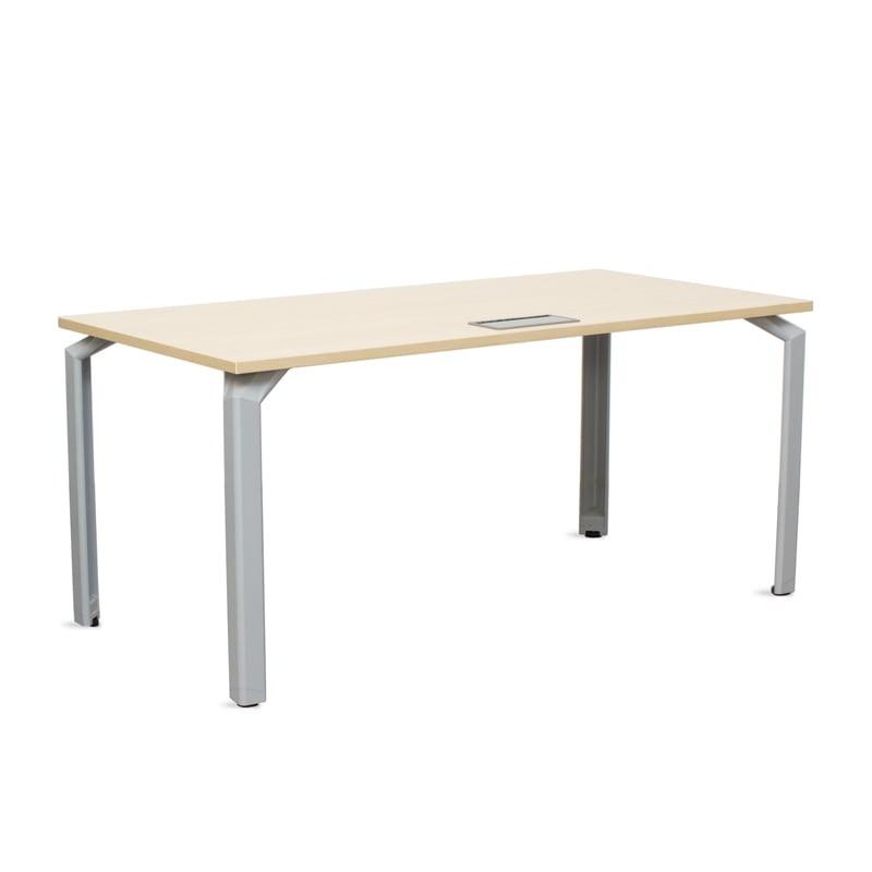 Mesa de Oficina Erable con Tapeta Pasacables MM561