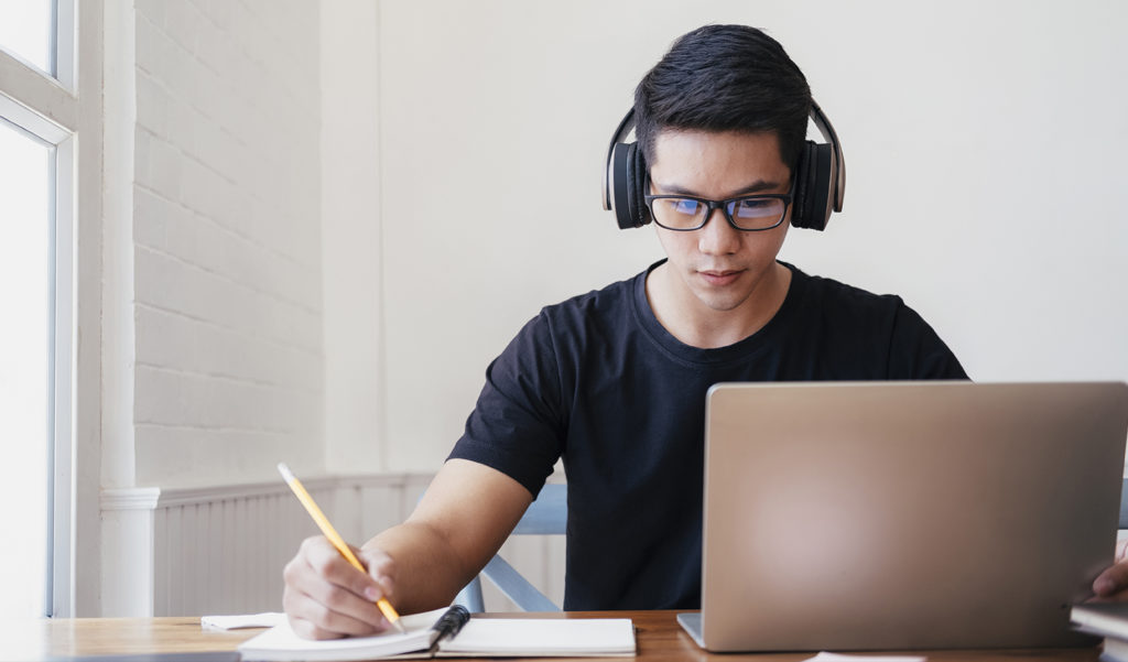 Cómo hacer un espacio para estudiar en casa con tu presupuesto