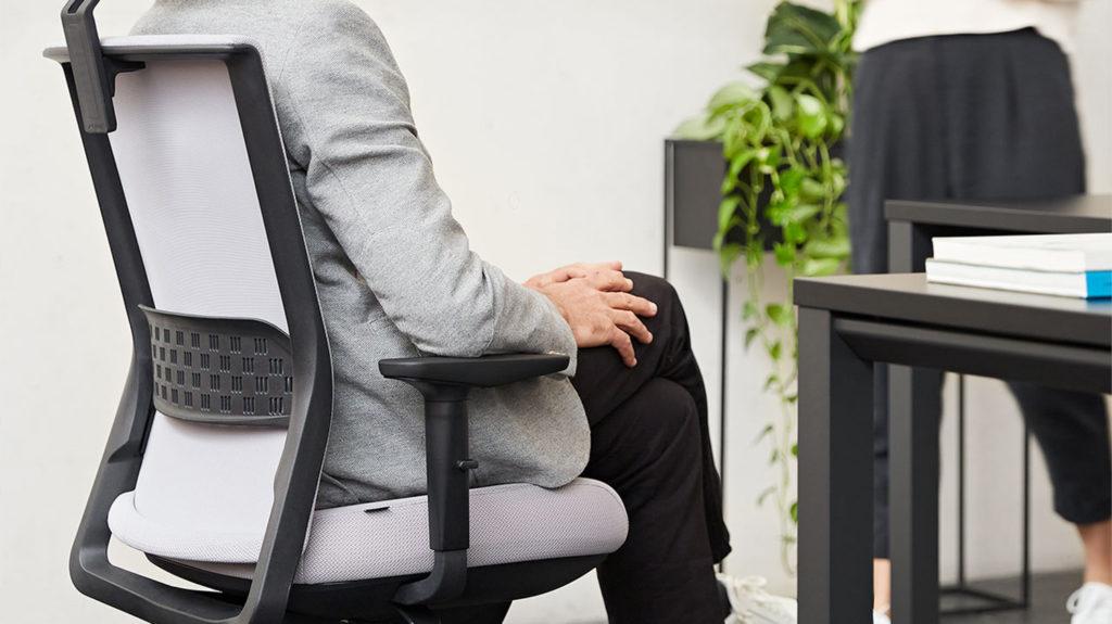 3 Formas de evitar el dolor muscular mientras trabajas