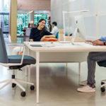 ¿cuál es la altura ideal de una mesa de oficina?