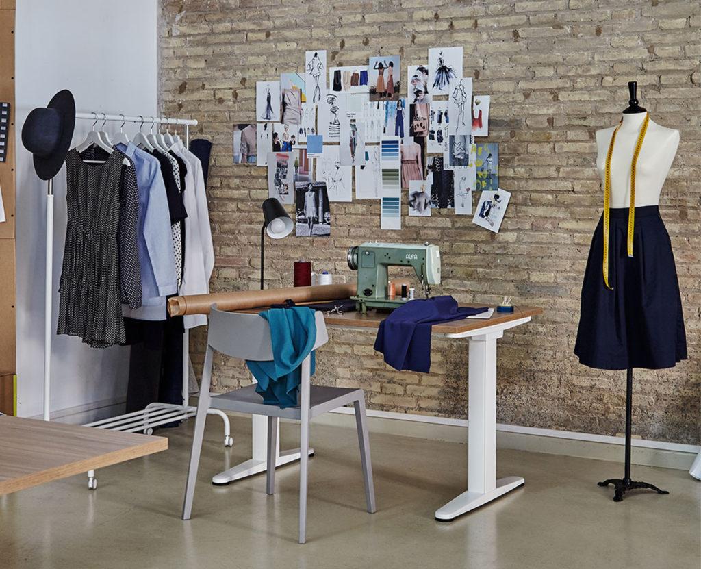 Distribución de mesas de oficina y escritorios