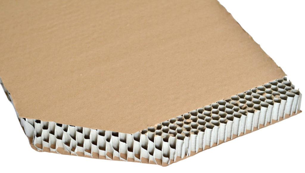 limpiar un escritorio relleno de cartón panal de abeja