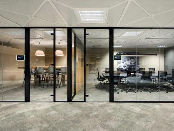 Instalación de mamparas en oficinas y centros de trabajo